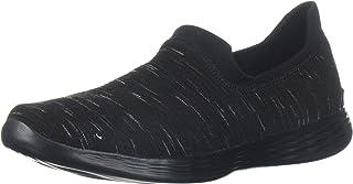 حذاء رياضي عريض للنساء من Skechers