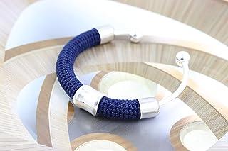 Bracciale rigido in cotone blu lavorato crochet - Matitie