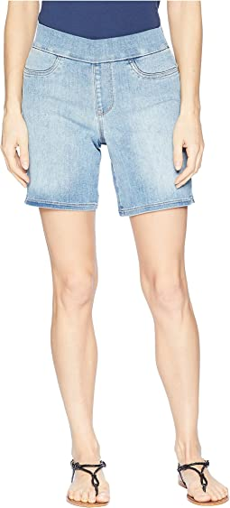 Pull-On Shorts w/ Side Slit in Clean Dreamstate