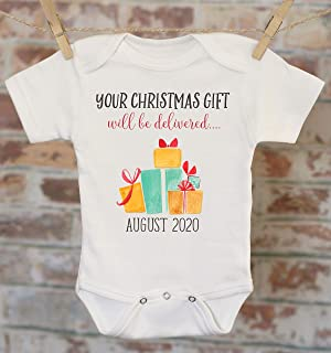 Christmas Baby Announcement, Your Christmas Gift Will Be Delivered Pregnancy Reveal Onesie®, Reveal to Grandparents, Pregnancy Announcement, Coming Soon Onesie