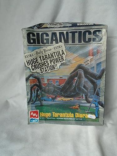 Gigantics Huge Tarantula Diorama Model Kit by AMT