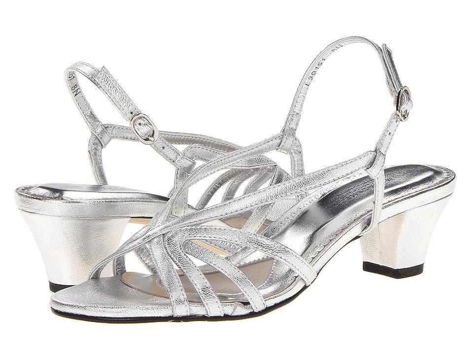 Walking Cradles Leash (Silver Sheep) Women's Sandals