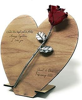 Rosa Forjada sobre Marco Corazón Madera con Grabado Personalizado