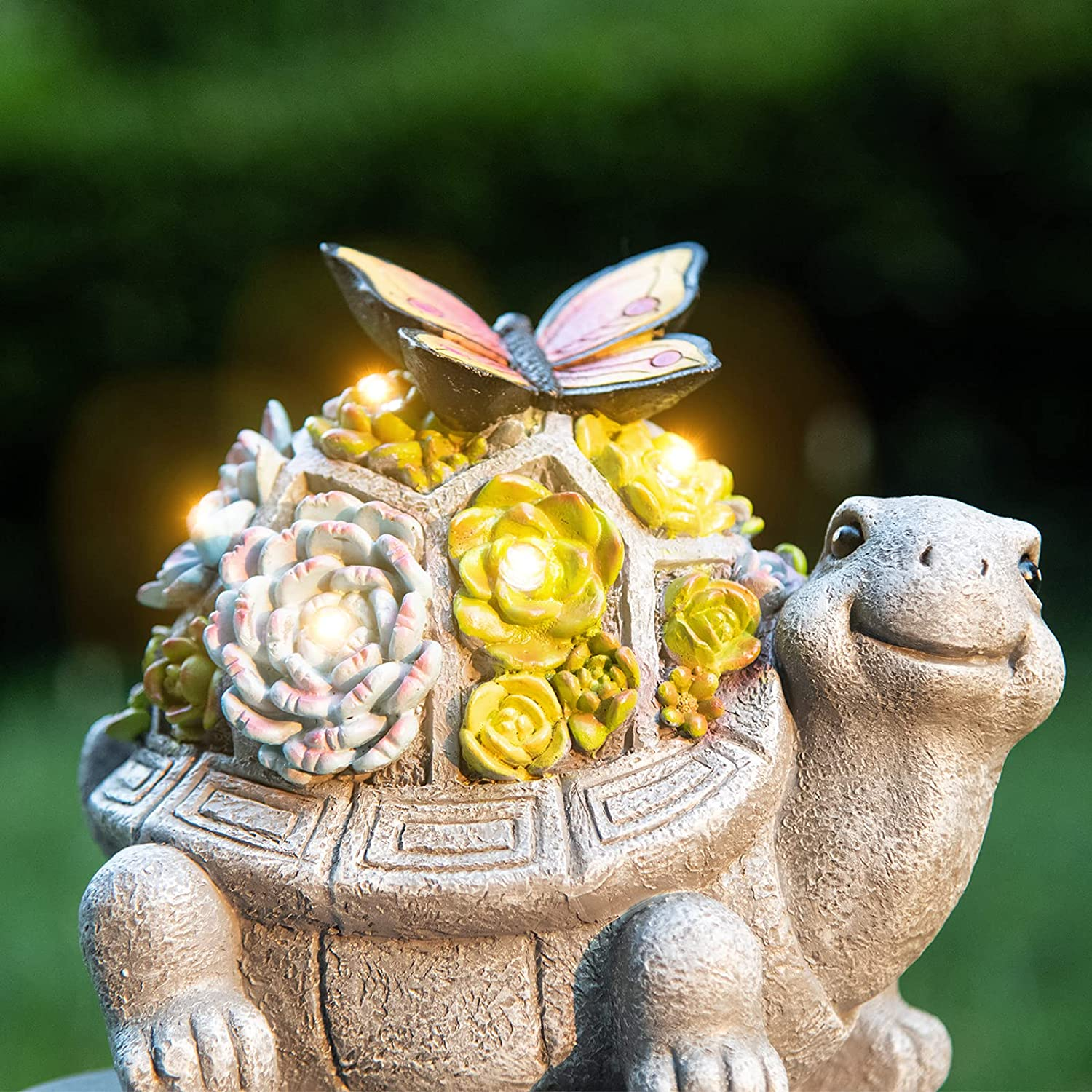Turtle Outdoor Decor, Solar Garden Statue with LED Lights and Succulents for Patio, Lawn, Deck, Resin Yard Art Decoration, Fall Winter Housewarming Ornament Gift