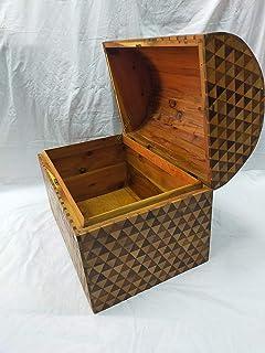 Grande cassa di legno di cedro con serratura, Grande urna di legno per lo stoccaggio, cassa di legno berbera marocchina.