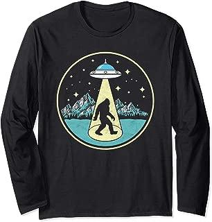 Bigfoot Abduction! Vintage Sasquatch & UFO Alien Graphic Long Sleeve T-Shirt