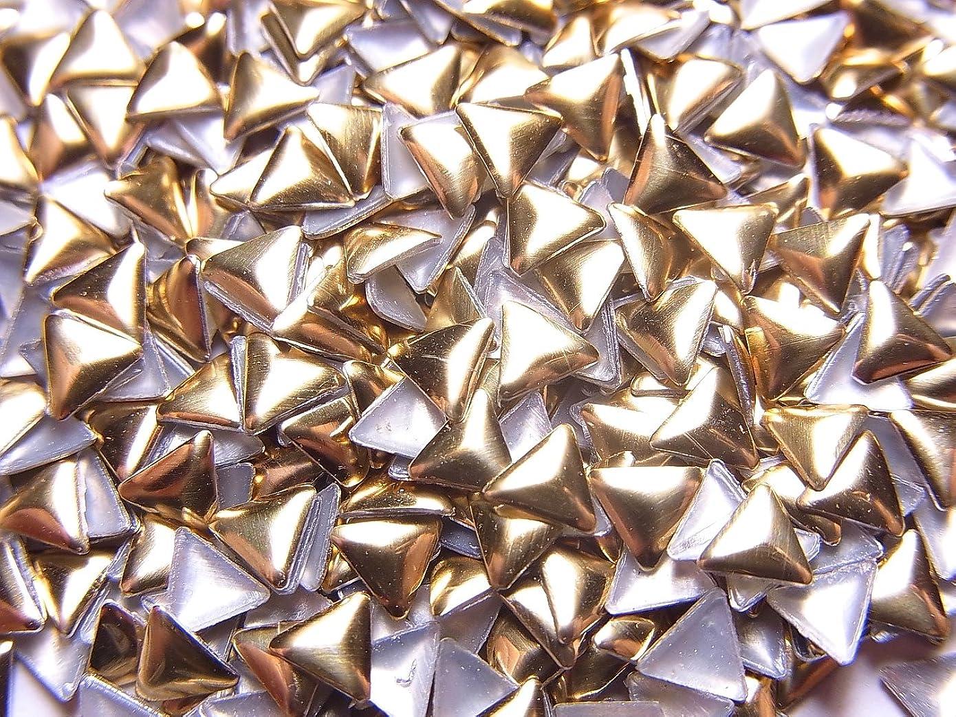 必需品ビルダー伝統的【jewel】トライアングル型(三角形)メタルスタッズ 4mm ゴールド 約100粒入り