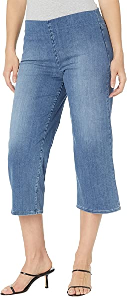 Wide Leg Capris Pull-On Jeans in Clean Horizon