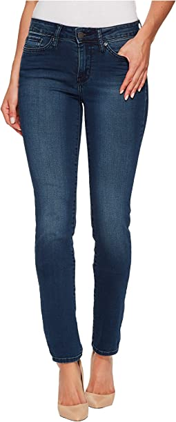 Calvin Klein Jeans - Mid Rise Skinny in Green Tomatoes