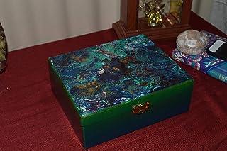 Caja de madera organizadora pintada a mano con motivos abstractos