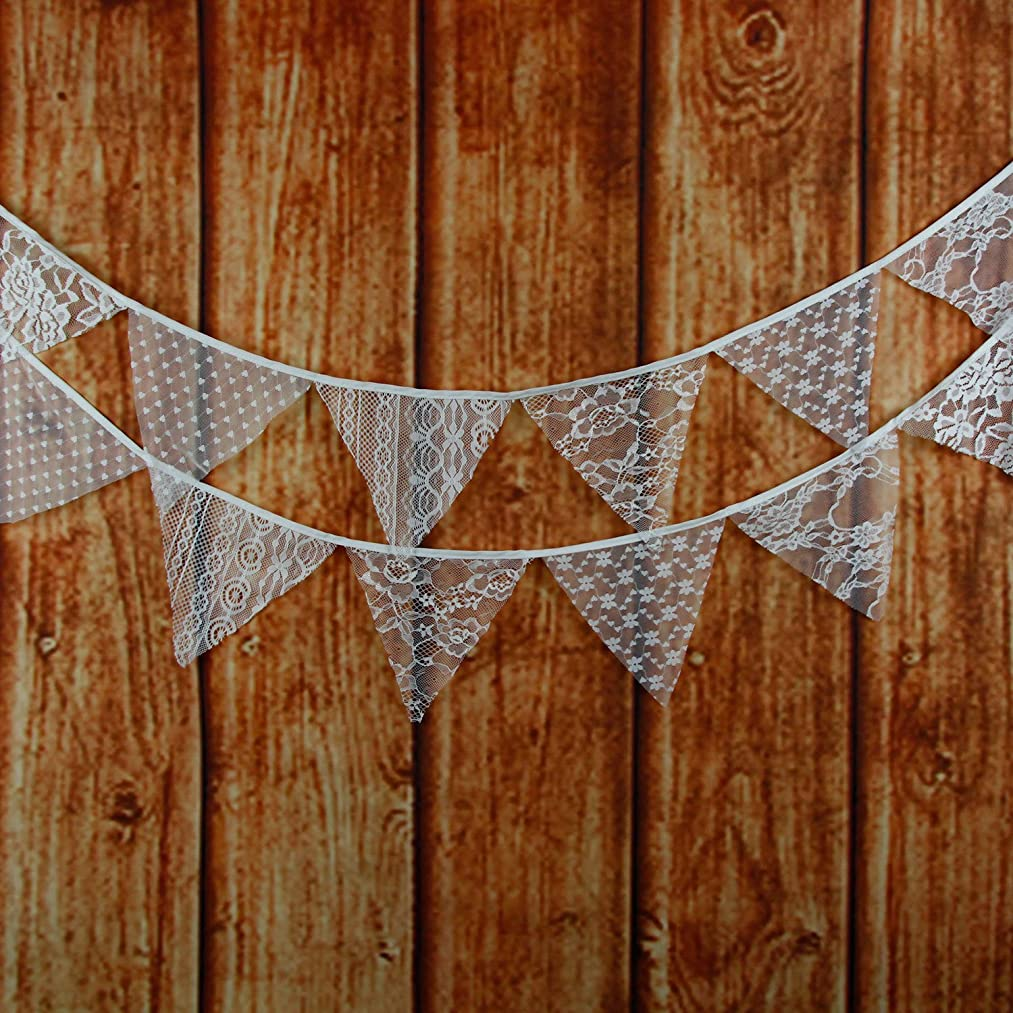 LOVENJOY White Floral Lace Pennant Banner - 10.8 Feet