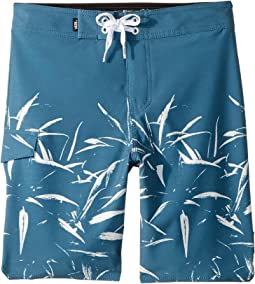 V Scallop Boardshorts (Little Kids/Big Kids)