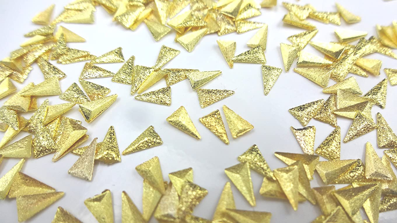 一時的こしょう申込み【HARU雑貨】サンドスタッズ トライアングル 10個セット ゴールド/三角 ピラミッド メタル パーツ