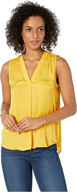 Petite Sleeveless V-Neck Rumple Blouse