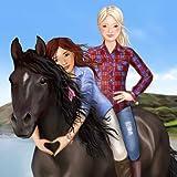 El caballo grande y divertido jinete de vestir
