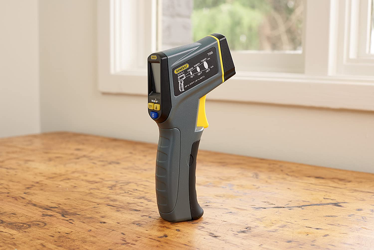 1 General Tools TS05 ToolSmart Bluetooth Connected Laser Temperature Gun Digital Infrared Thermometer Thermal Detector
