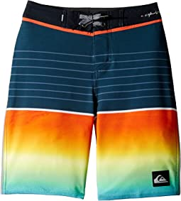 "Highline Slab 18"" Boardshorts (Big Kids)"
