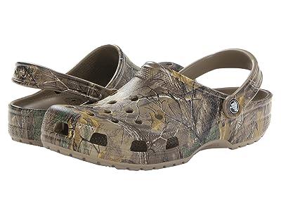 Crocs Classic Realtree Xtra Clog (Khaki) Men