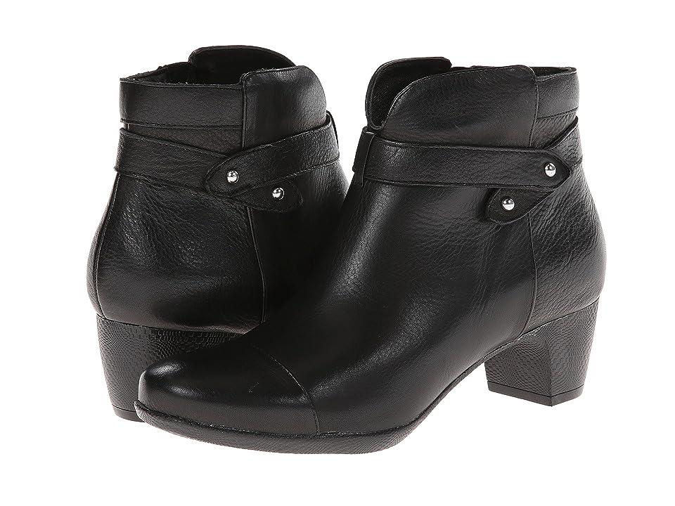 SoftWalk Ivanhoe (Black Tumbled Leather) Women