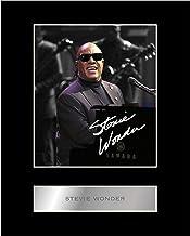 Foto firmada por Stevie Wonder con diseño de la Música #2