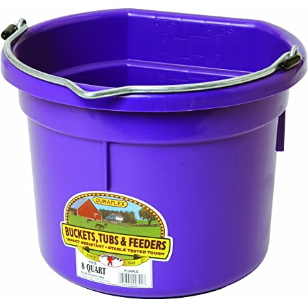 American Plastic Toys Horse Stable With Water Pail And Feed Tub Made USA