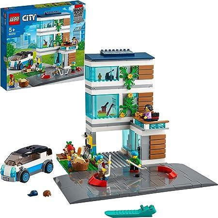 LEGO City - Villetta Familiare, Casa Ecologica Moderna, Set con Piattaforme Stradali Espandibili e 5 Minifigure, 60291