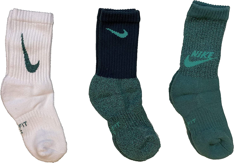 Nike Boy`s Performance Cushioned Dri FIT Crew Socks 3 Pack