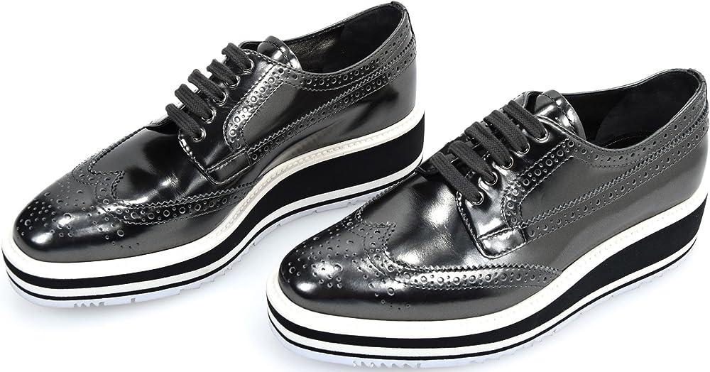 Prada, scarpa francesina classica per donna,in vera pelle al 100 % 1E722E