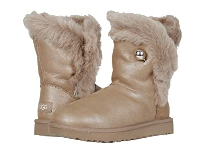 UGG Classic Fluff Pin (Antique Pearl) Women