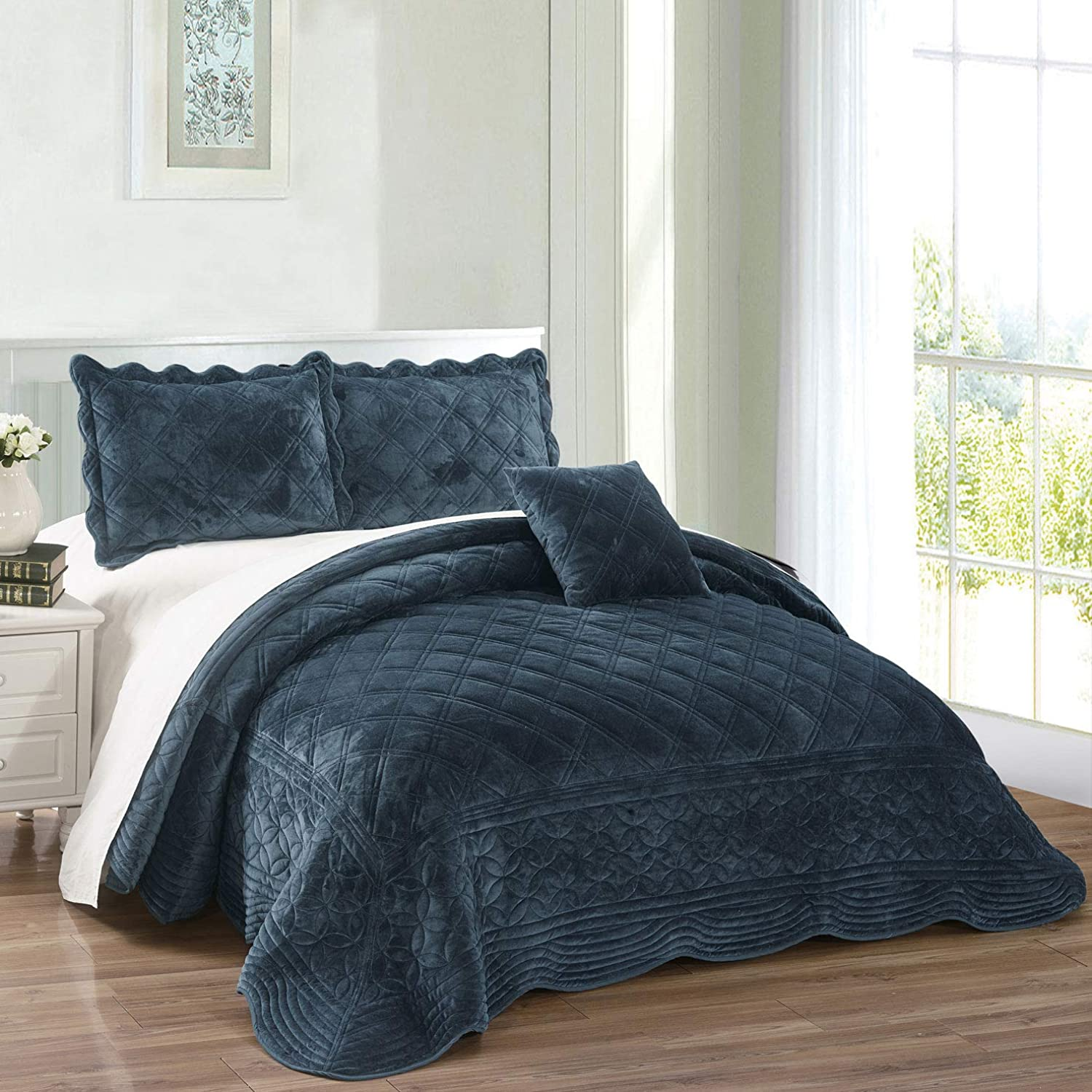 Serenta Super Soft Microplush Quilted 4 PCs Bedspread Set. Queen, bluee Sapphire