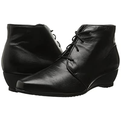 Munro Kara (Black Leather) Women