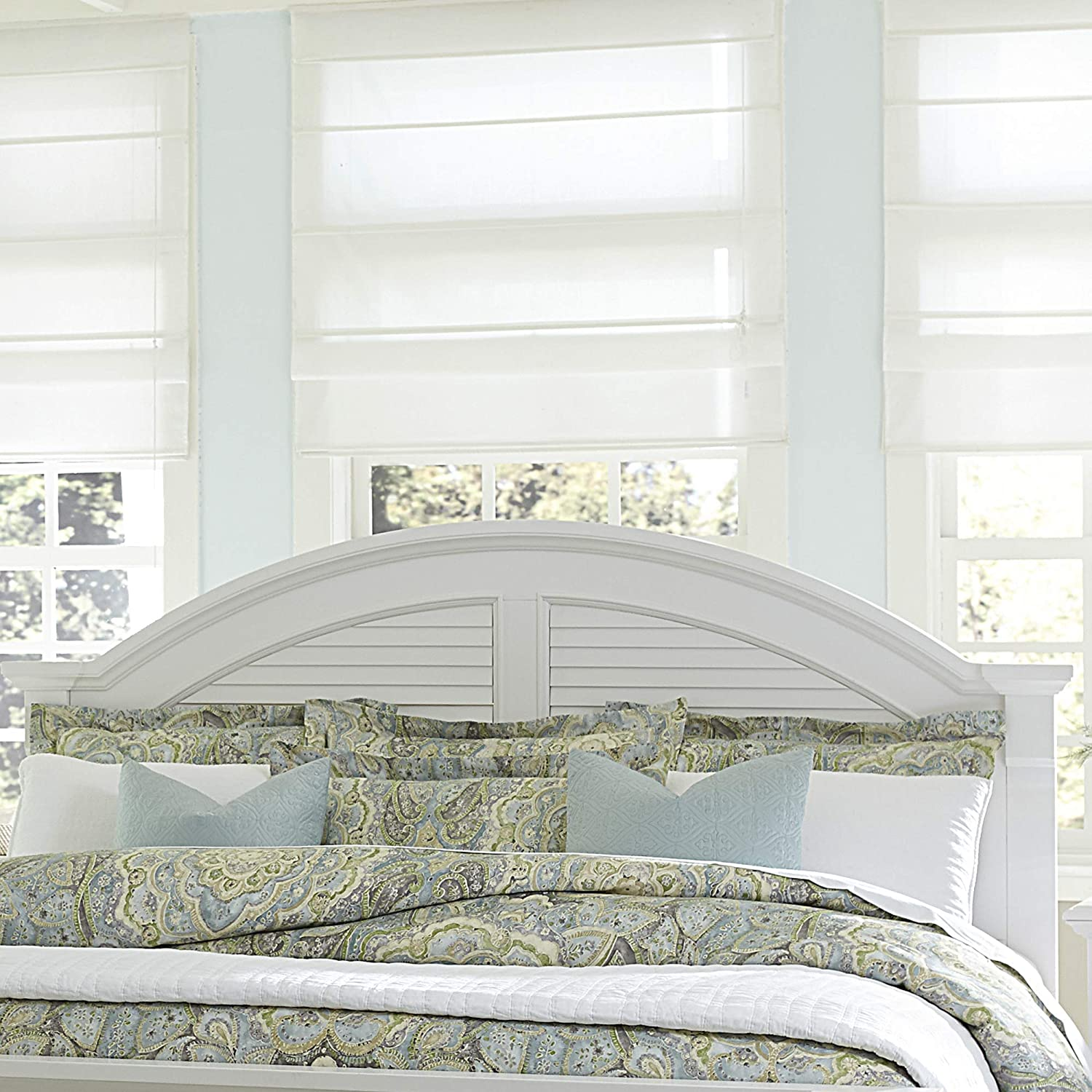 Liberty Furniture INDUSTRIES , INC Liberty Furniture Summer House I Panel Headboard, Queen, Oyster White
