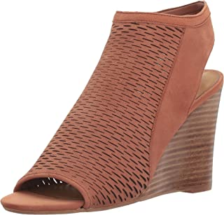 34a9fe71655 Amazon.com  Steve Madden Women s Wedge   Platform Sandals