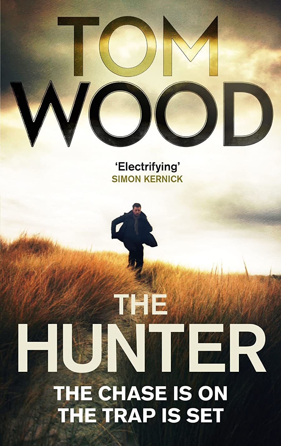 爆発するおっとにもかかわらずThe Hunter (Victor the Assassin Book 1)