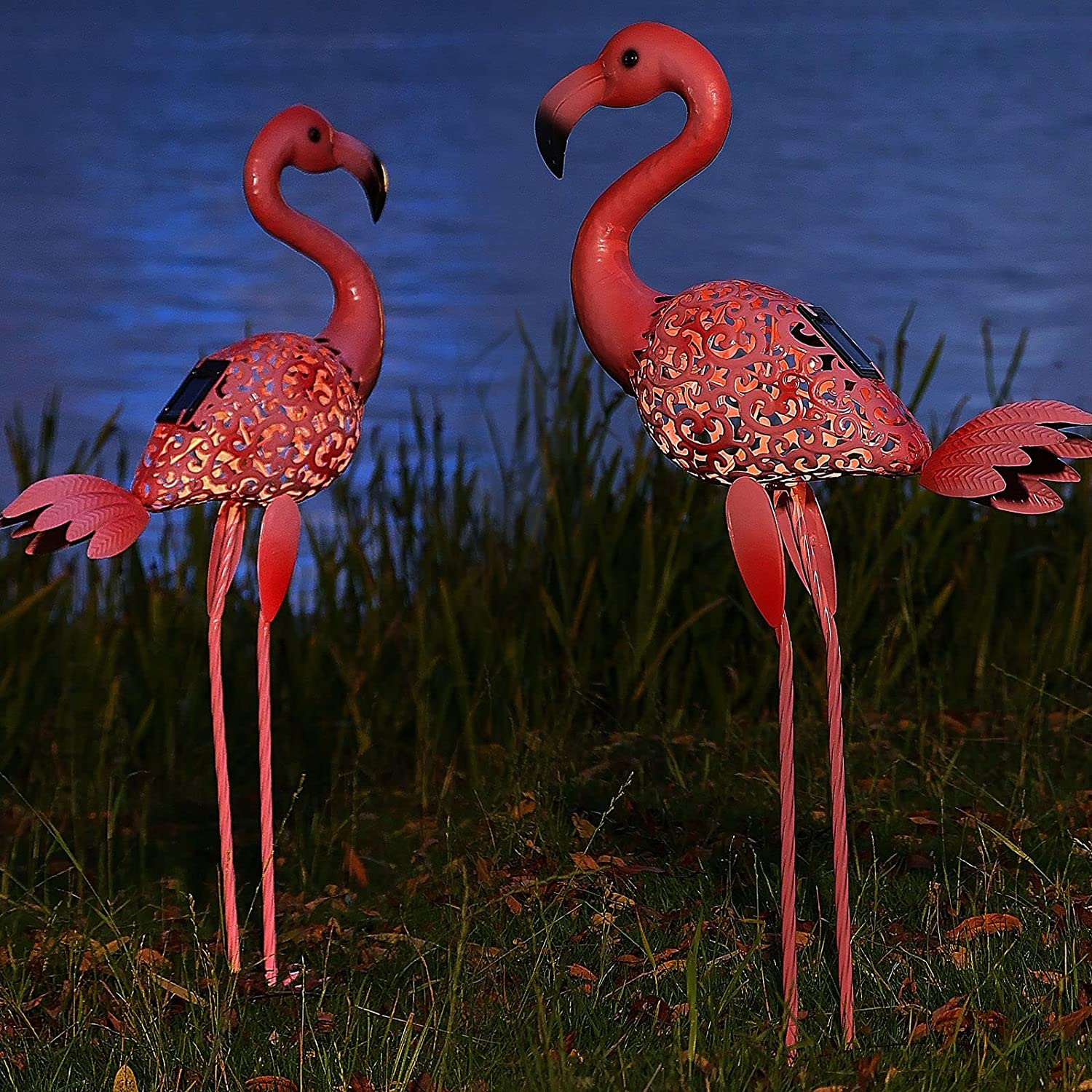 Flamingo Garden Statues with Solar Lights, Pink Flamingo Yard Decorations Metal Birds Yard Art Lawn Ornaments with Decorative Light for Outdoor Patio Pathway Garden Decor