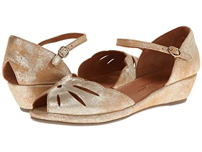 Gentle Souls by Kenneth Cole Lily Moon (Gold Metallic Suede) Women