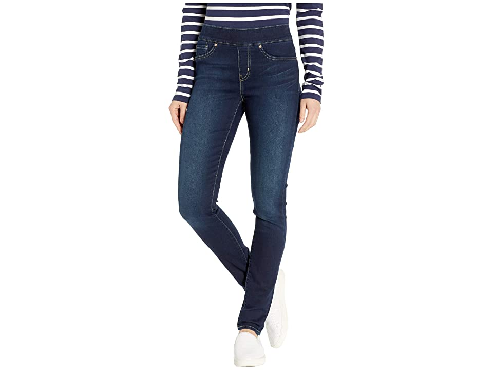 Signature by Levi Strauss & Co. Gold Label Totally Shaping Pull-On Skinny Jeans (Immaculate) Women