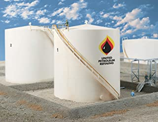 Walthers Cornerstone HO Scale Tall Oil Storage Tank Kit with Berm