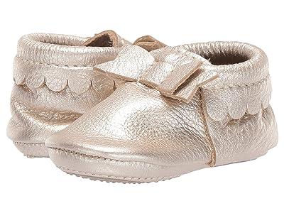 Freshly Picked Mini Sole Bow Moccasins (Infant/Toddler) (Platinum) Girls Shoes