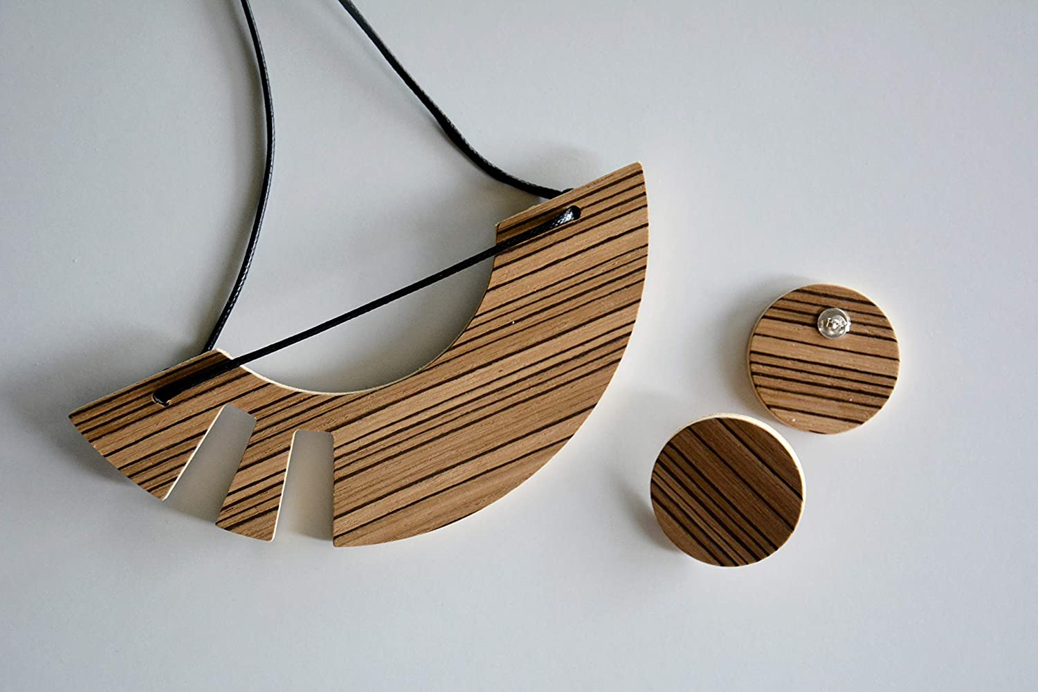 Wooden jewelry set Rare for women necklace brown and Striped Atlanta Mall earring