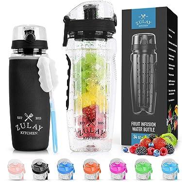 Botella de agua Zulay con infusor de frutas (capacidad de 34oz) con funda, sin BPA, mango antideslizante y tapa abatible, unisex, botella de infusión de agua con cepillo de limpieza, color negro ónix