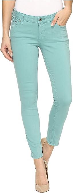 Lolita Capri Jeans in Meadowbrook