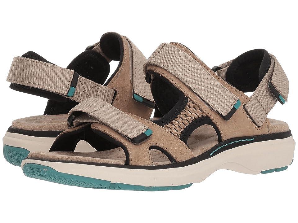 Clarks Un Roam Step (Sand Nubuck) Women's Sandals
