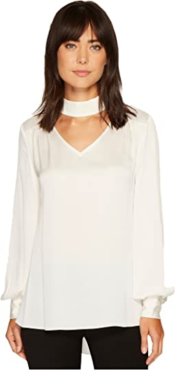 Vince Camuto - Long Sleeve Mock Choker Neck V-Neck Blouse