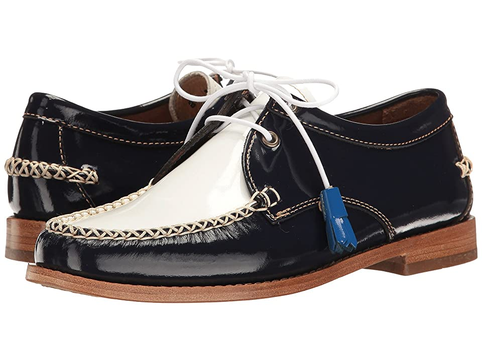 G.H. Bass & Co. Winnie Weejuns (Navy/White Patent Leather) Women