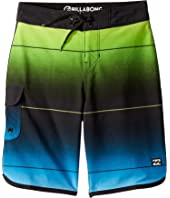73 Stripe Pro Boardshorts (Big Kids)
