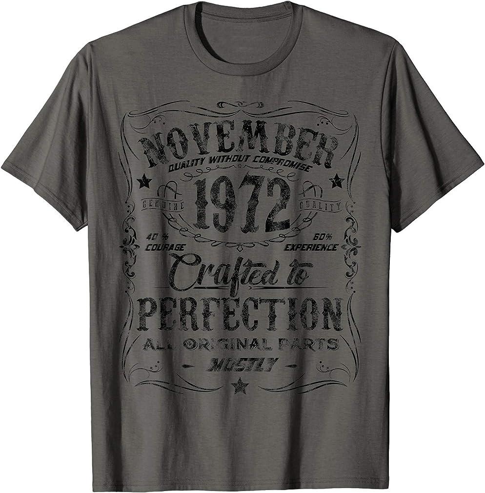 Classic 47th Birthday Gift Mens Womens Vintage November 1972 T-shirt