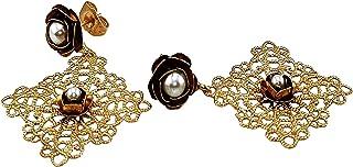 Orecchino Mokilu' in Ottone anallergico con doratura 24K effetto Oro Antico, con chiusura a farfallina. Perla centrale