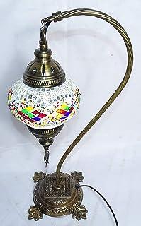 lampara turca de cristales azules sobre mesa 40 cm de altura por bola de 13 cm de diametro