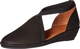 Gentle Souls by Kenneth Cole Women's Natalia Flat